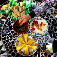 Almuerzo en las Cuevas – Katelyn Jewell