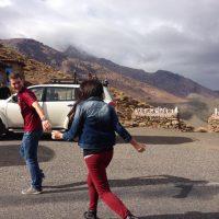 Pareja italiano y brasileña en Marruecos – Bruna Faria